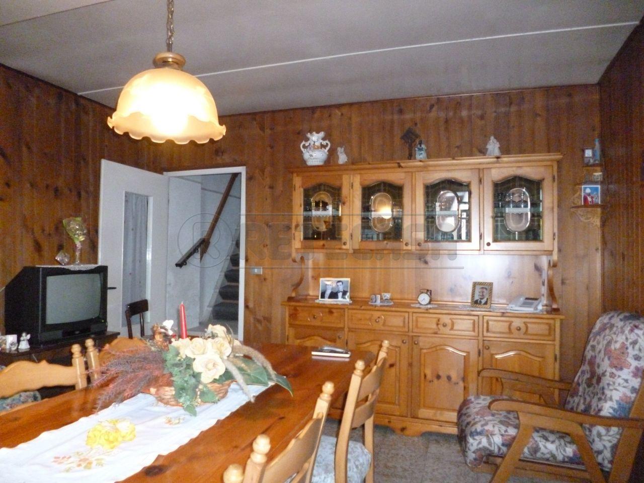 Soluzione Semindipendente in affitto a Montecchia di Crosara, 3 locali, prezzo € 350   Cambio Casa.it