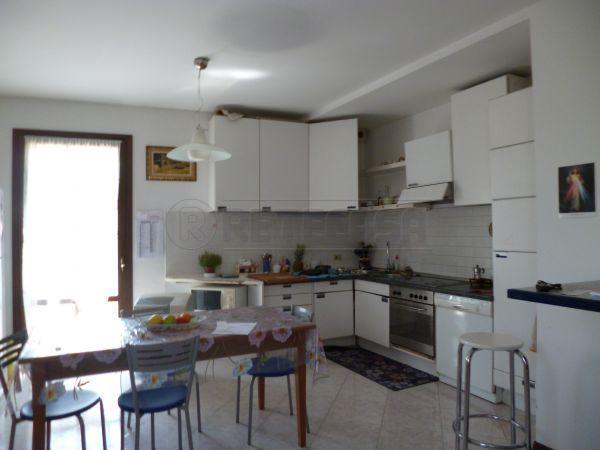 Appartamento in affitto a Montebello Vicentino, 4 locali, prezzo € 480 | Cambio Casa.it