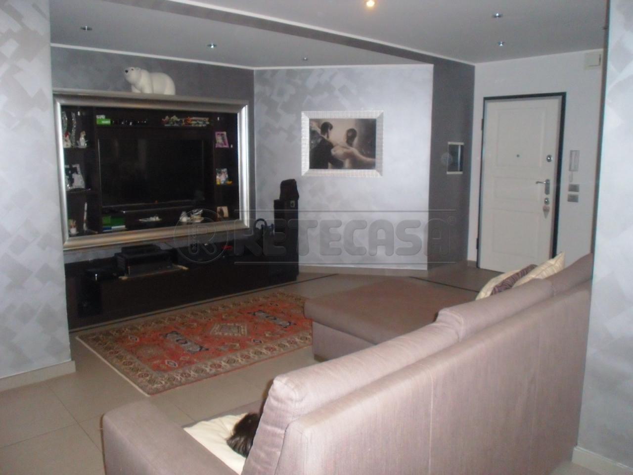 Appartamento in vendita a Siracusa, 6 locali, prezzo € 205.000 | Cambio Casa.it