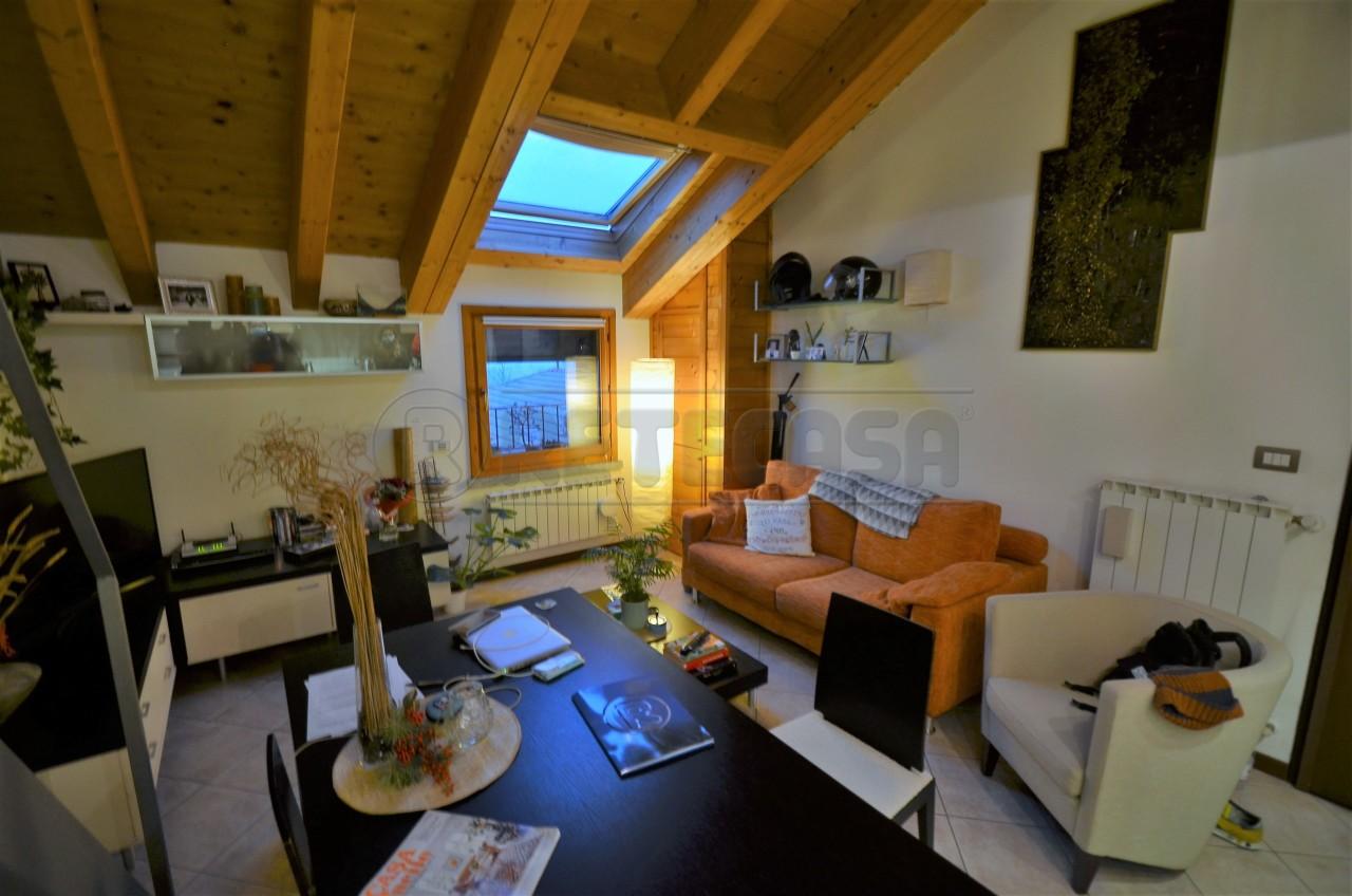Appartamento in vendita a Santa Maria Hoè (LC)