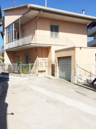 Appartamento in vendita a Pescara, 3 locali, prezzo € 95.000 | Cambio Casa.it