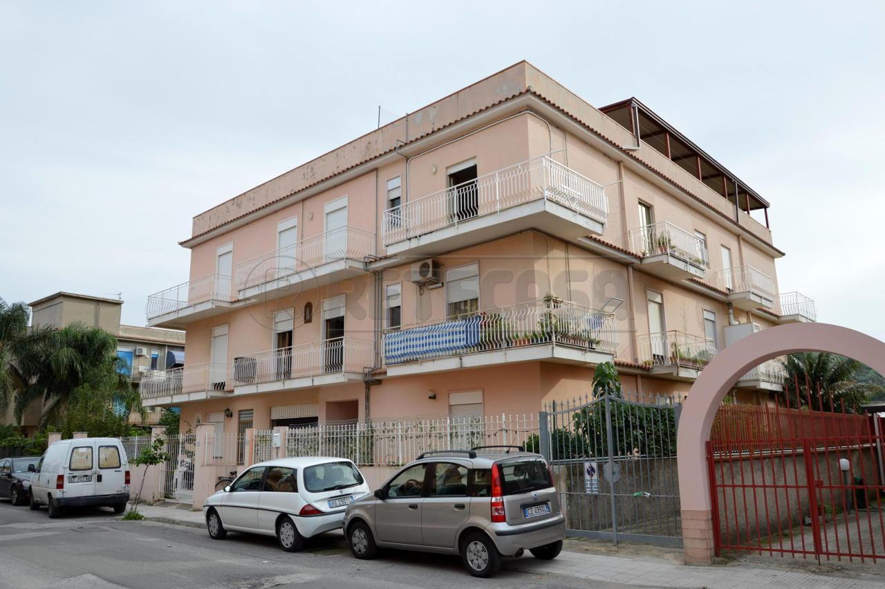 Appartamento in vendita a Oliveri, 3 locali, prezzo € 95.000 | Cambio Casa.it