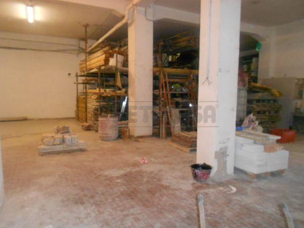 Magazzino in vendita a Ancona in Baraccola