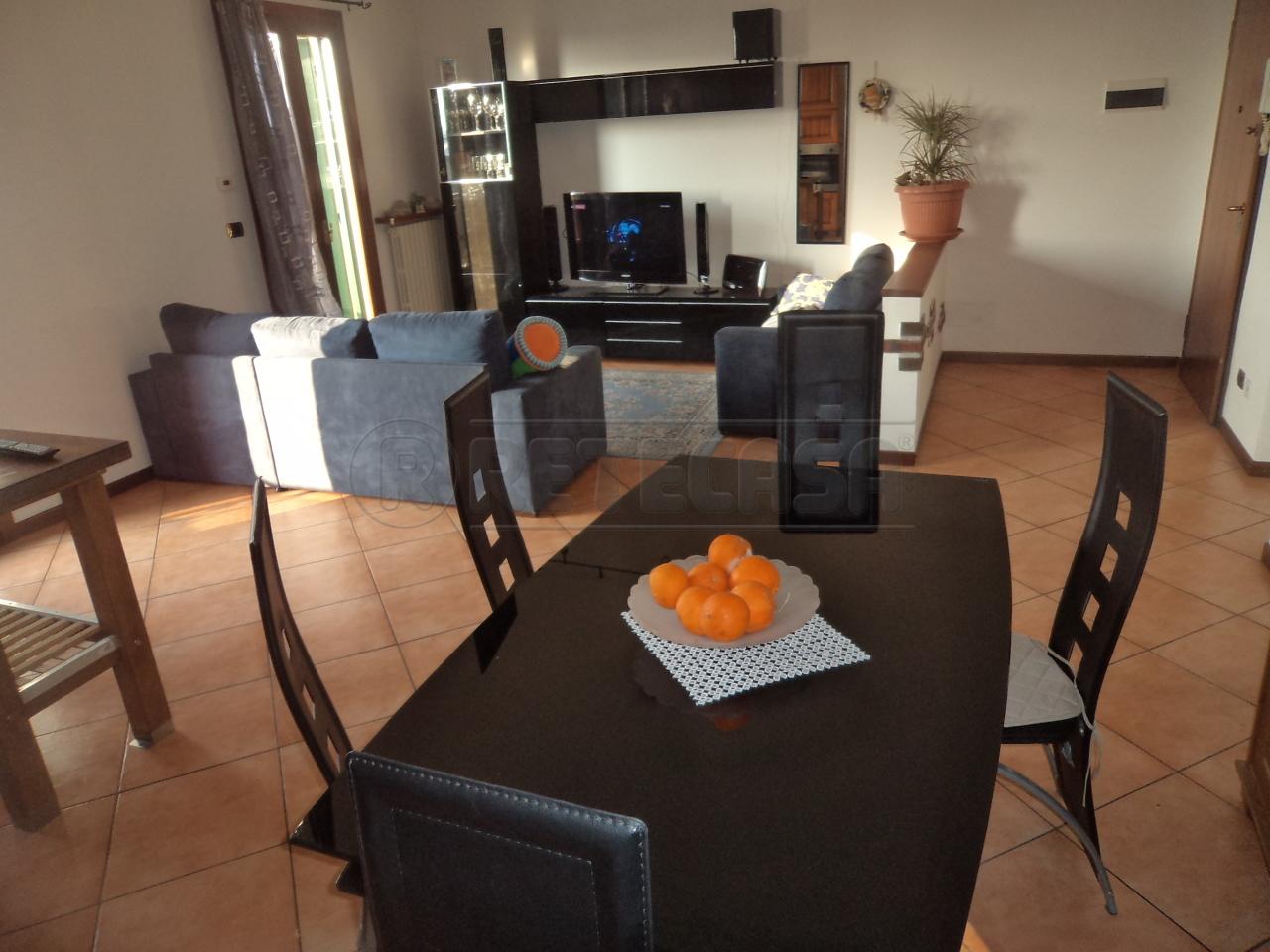 Appartamento in vendita a Camposampiero, 3 locali, prezzo € 125.000 | Cambio Casa.it