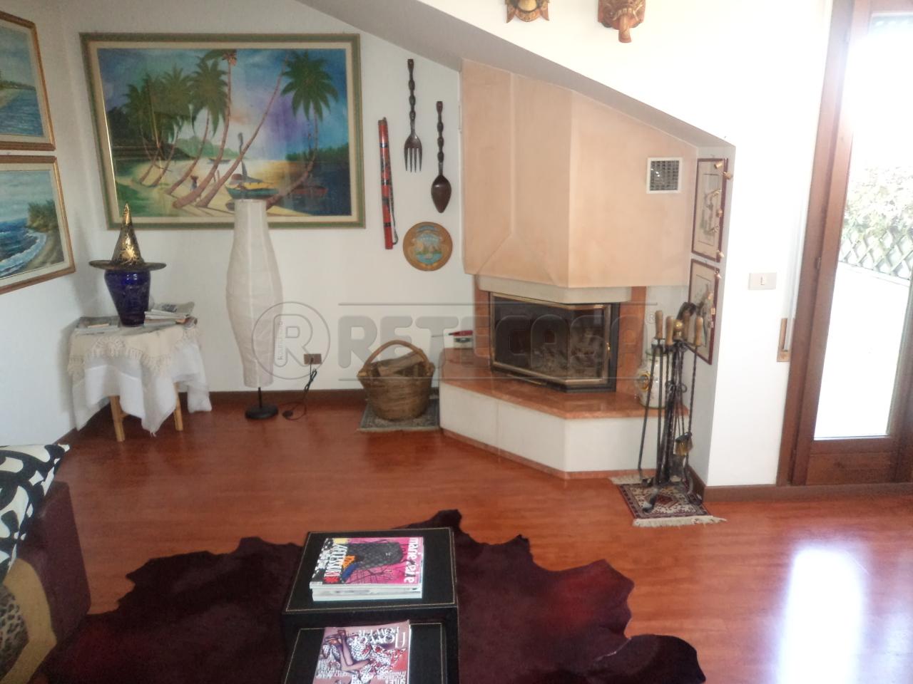 Appartamento in vendita a Campodarsego, 6 locali, prezzo € 175.000 | Cambio Casa.it