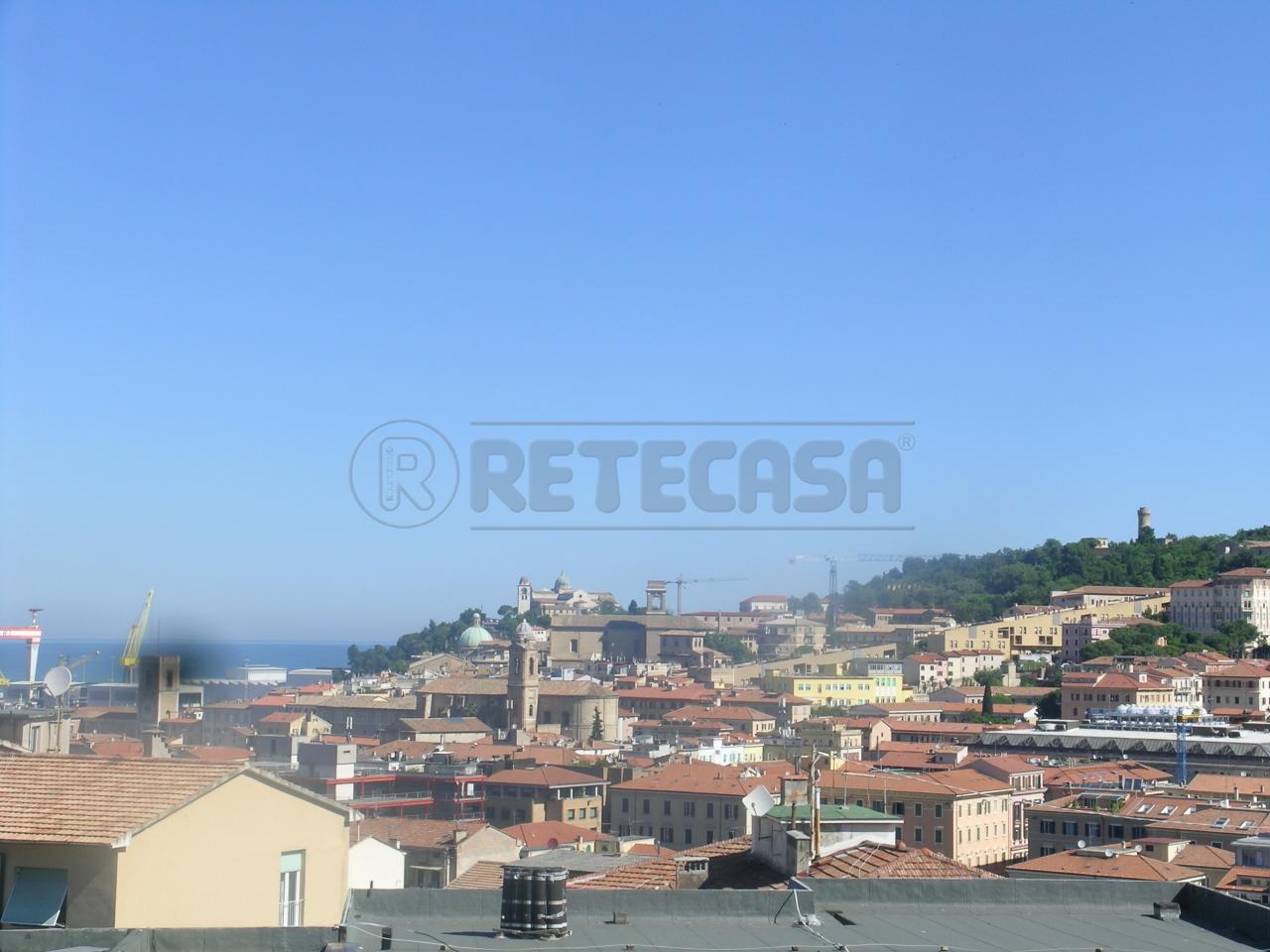 Appartamento 5 locali in affitto a Ancona (AN)