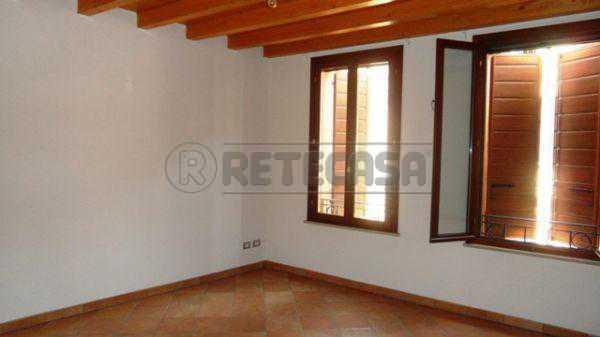 Appartamento in affitto a Mantova, 9999 locali, prezzo € 480 | Cambio Casa.it