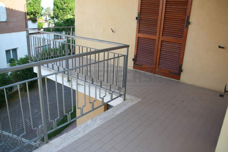 Soluzione Semindipendente in affitto a Ancona, 5 locali, prezzo € 800   Cambio Casa.it