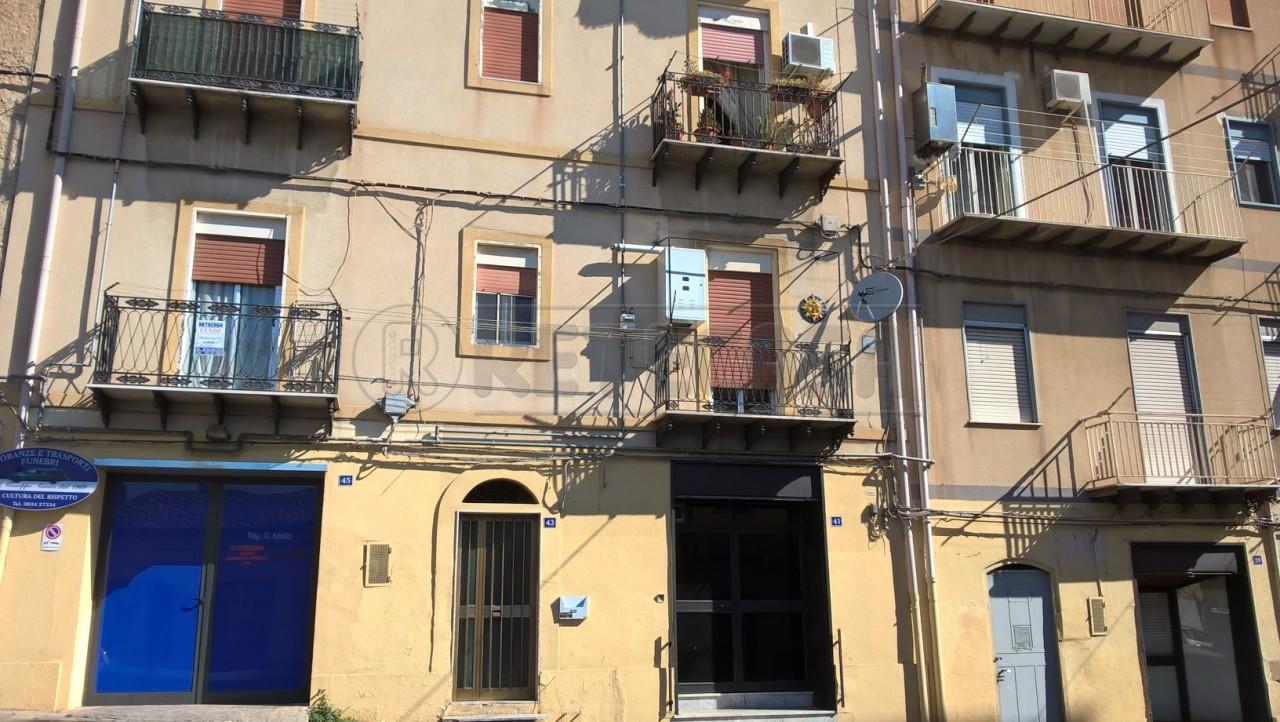 Appartamento trilocale in vendita a Caltanissetta (CL)