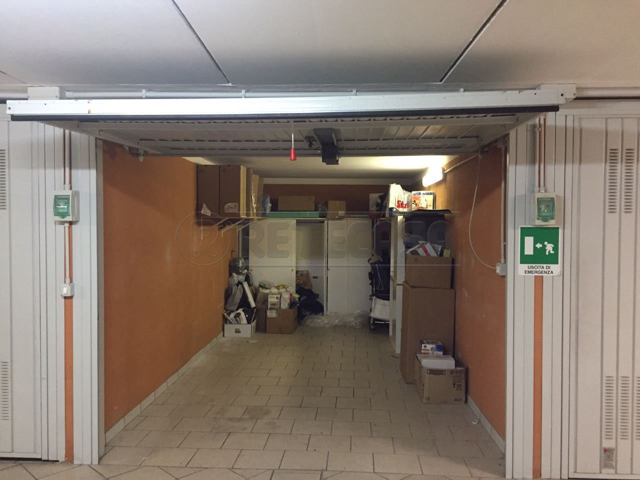 Box / Garage in Vendita a Loano