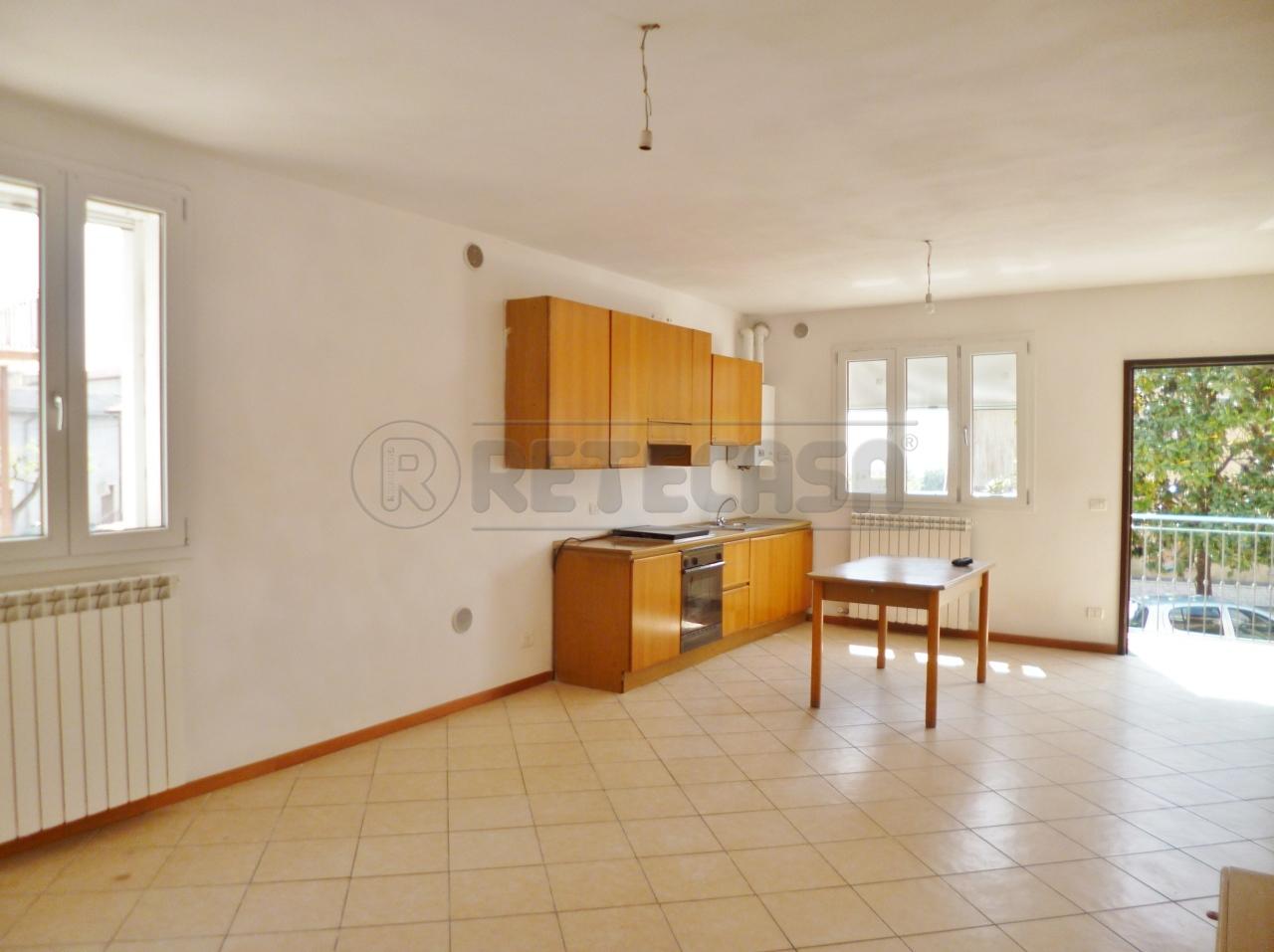 Soluzione Semindipendente in vendita a Roncà, 5 locali, prezzo € 77.000 | Cambio Casa.it