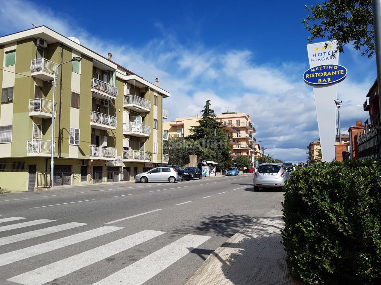 Appartamento, 140 Mq, Affitto - Catanzaro (Catanzaro)
