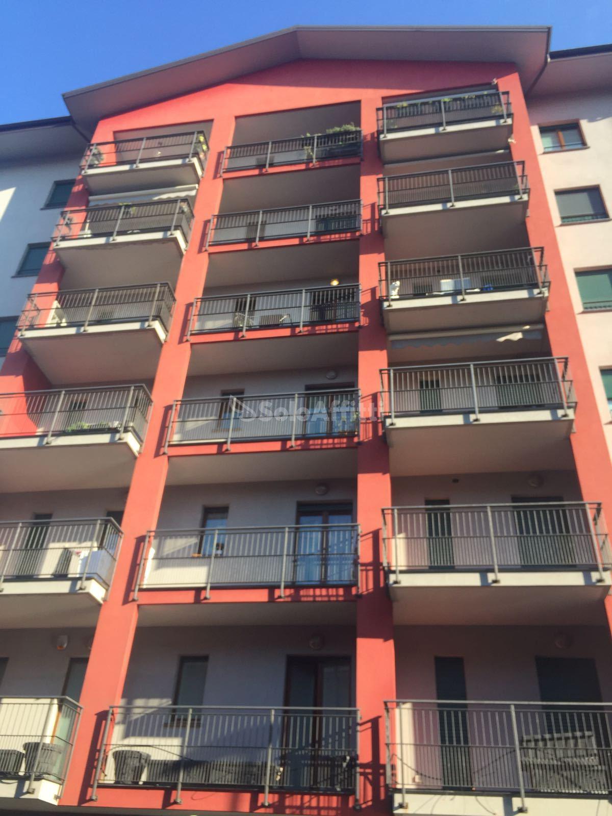 Affitto appartamento trilocale arredato 90 mq for Affitto lainate arredato