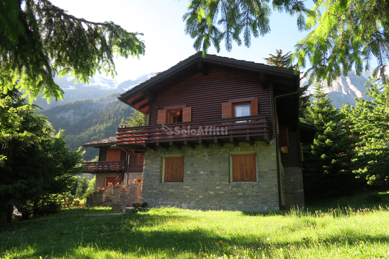 CHALET ENTREVES AFFITTO