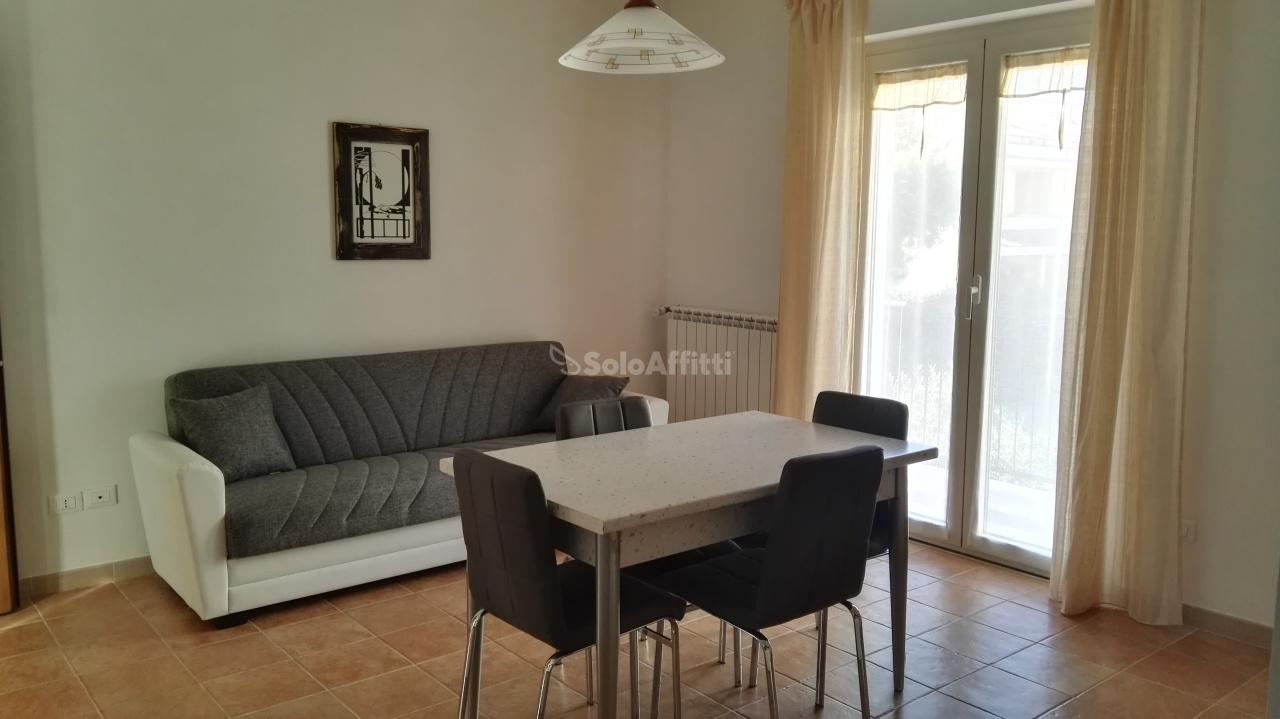 Appartamento in affitto a Montesilvano, 3 locali, prezzo € 500   Cambio Casa.it