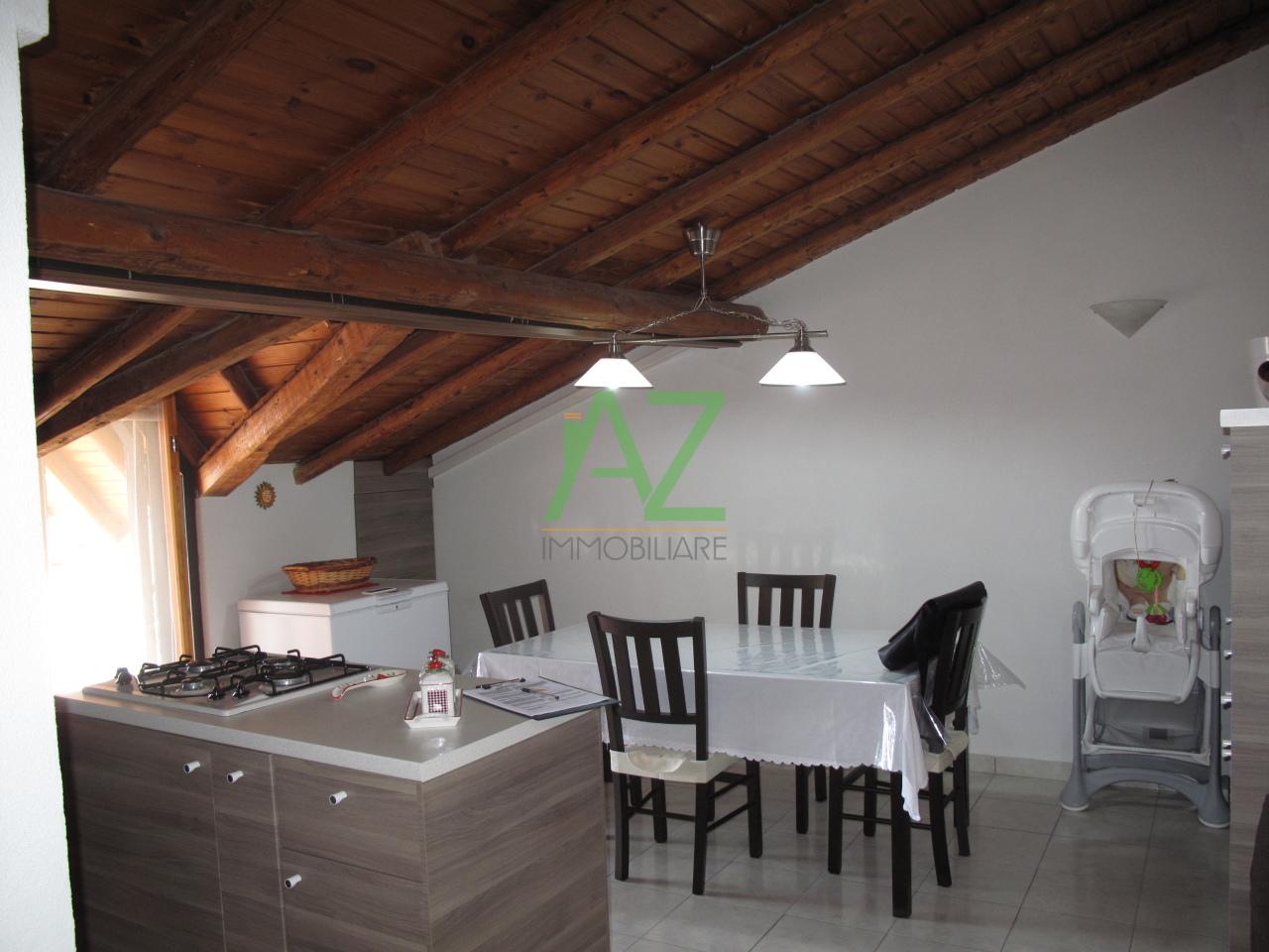 Attico / Mansarda in vendita a Motta Sant'Anastasia, 3 locali, prezzo € 79.000 | Cambio Casa.it