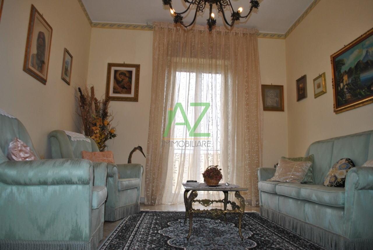 vendita appartamento catania   100000 euro  3 locali  98 mq