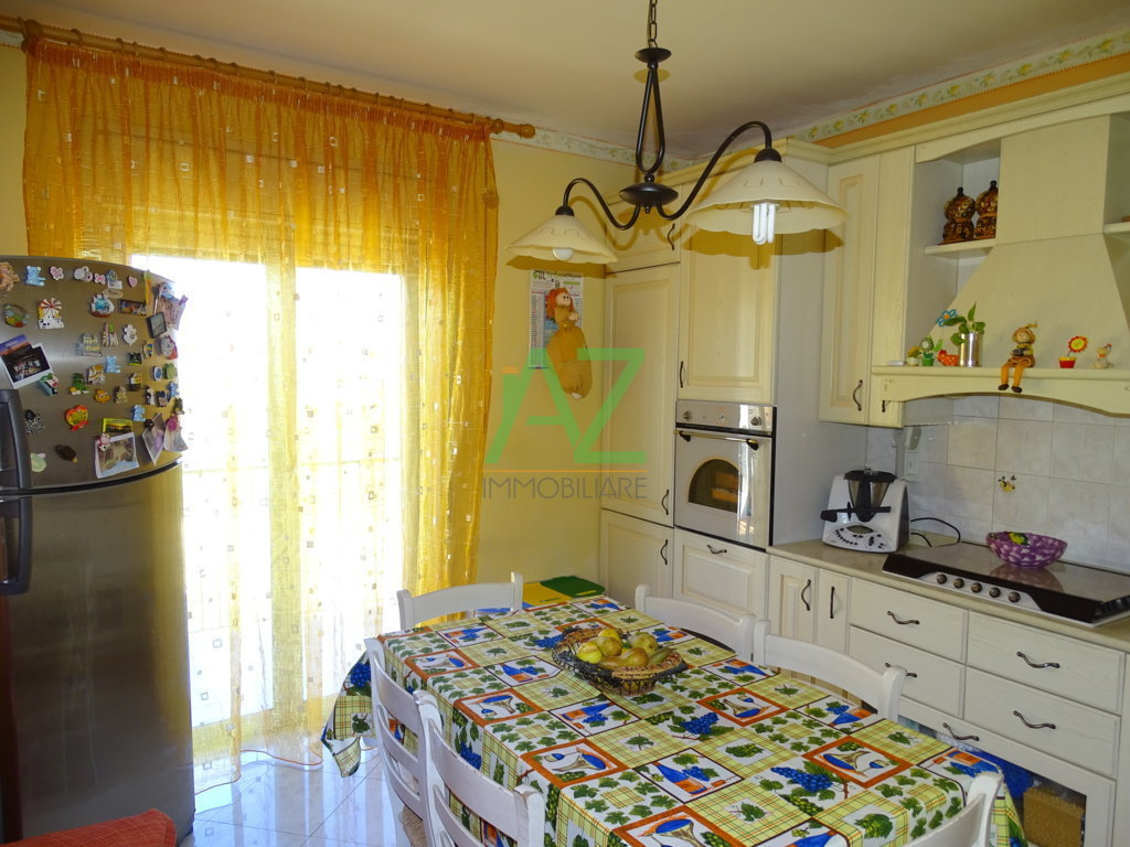 Appartamento in Vendita a Camporotondo Etneo