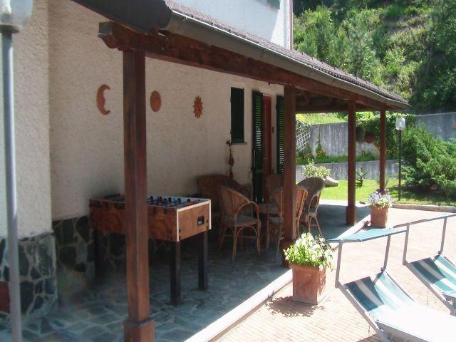Veranda accanto alla piscina.JPG