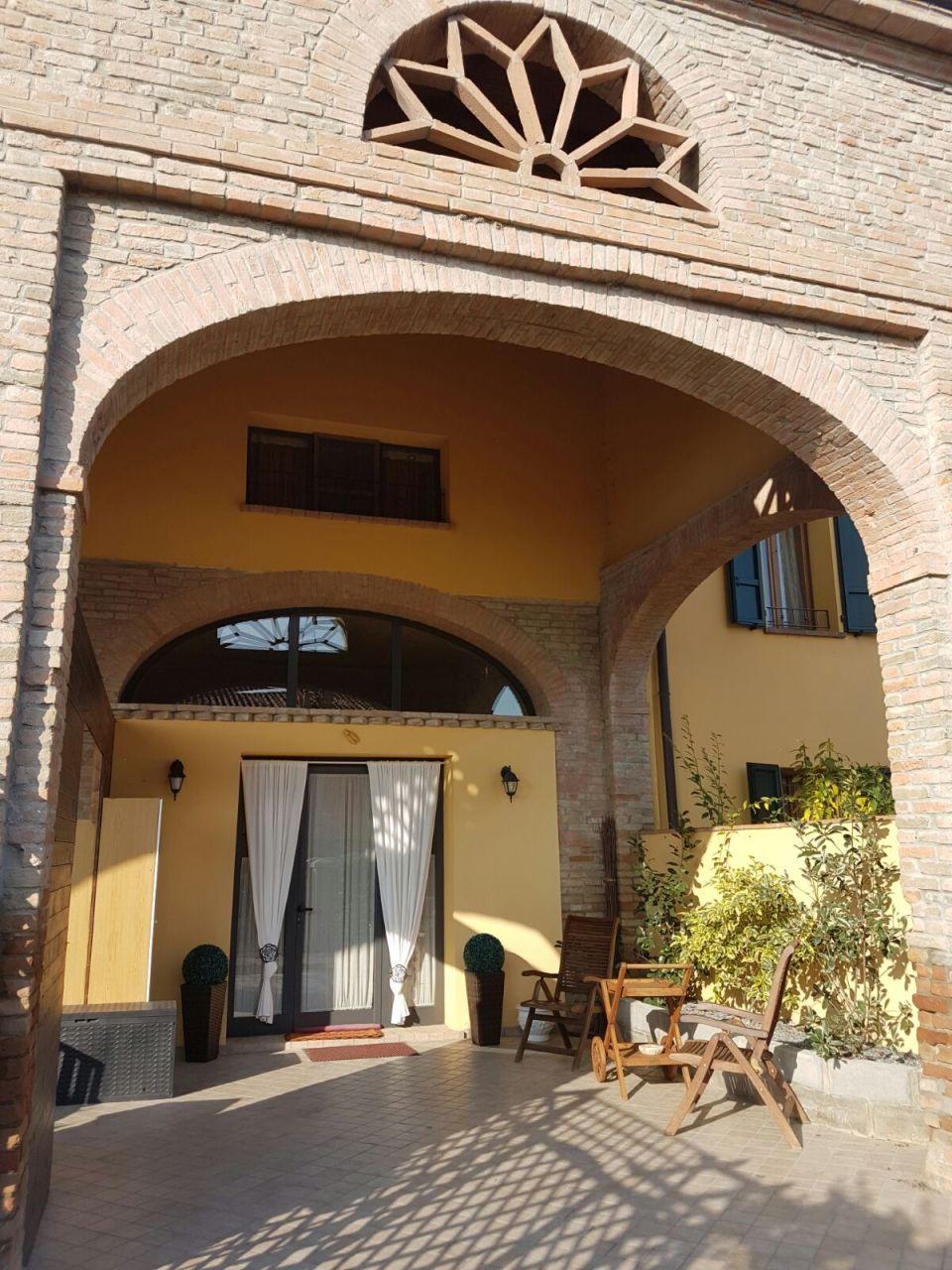 Villa a Schiera in Vendita a San Secondo Parmense