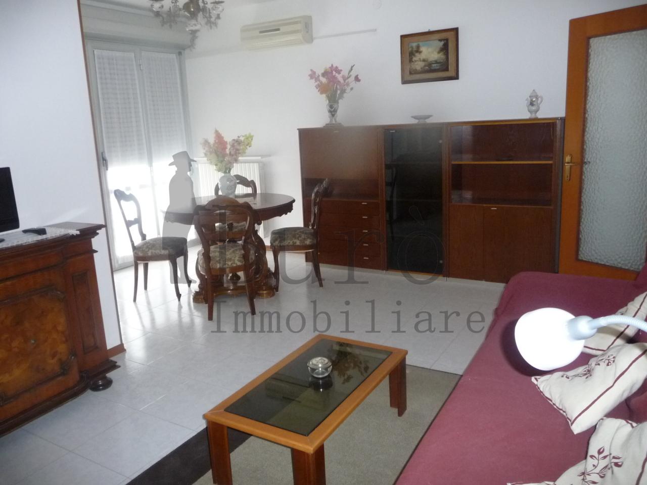 Appartamento in affitto a Torrile, 2 locali, prezzo € 420 | Cambio Casa.it