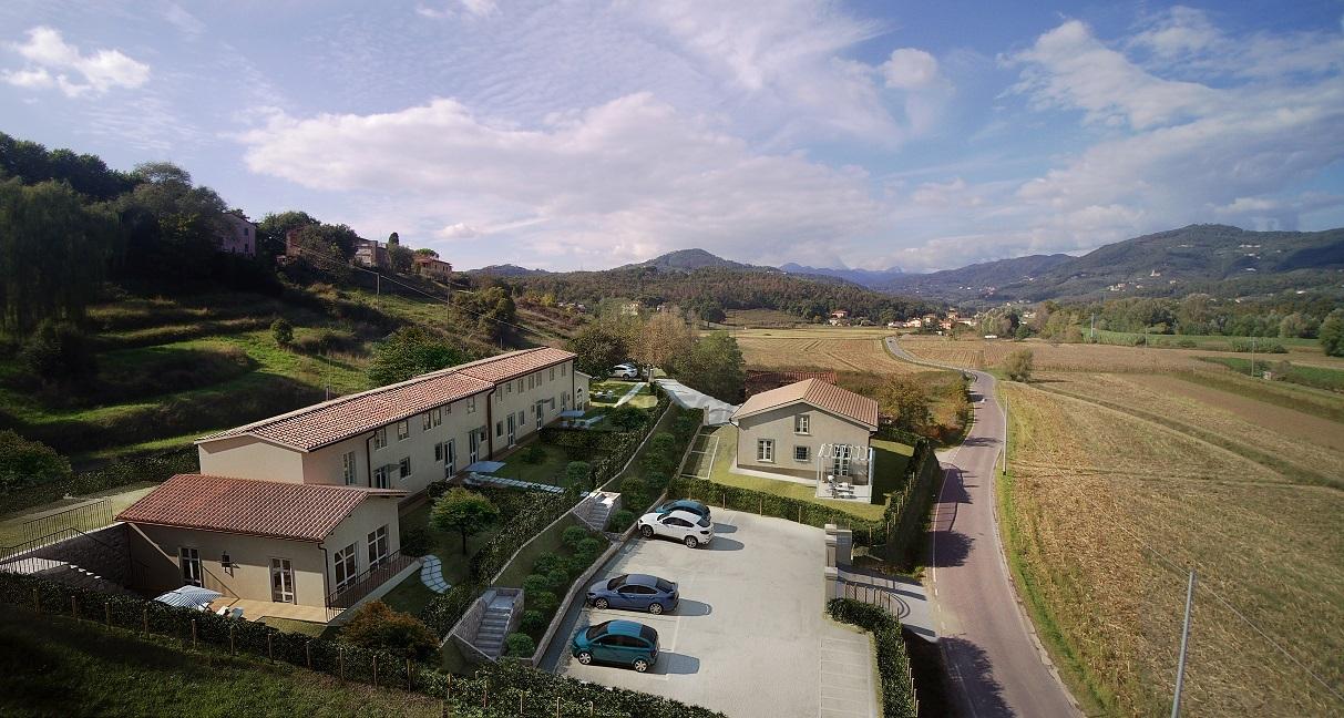 Villa a Schiera in vendita a Lucca, 7 locali, prezzo € 360.000 | Cambio Casa.it