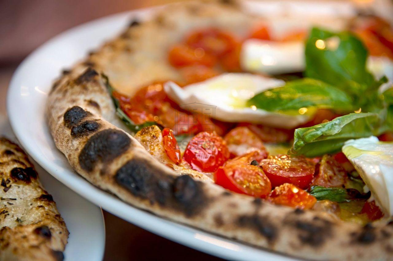 Ristorante / Pizzeria / Trattoria in vendita a Lucca, 2 locali, prezzo € 77.000 | CambioCasa.it