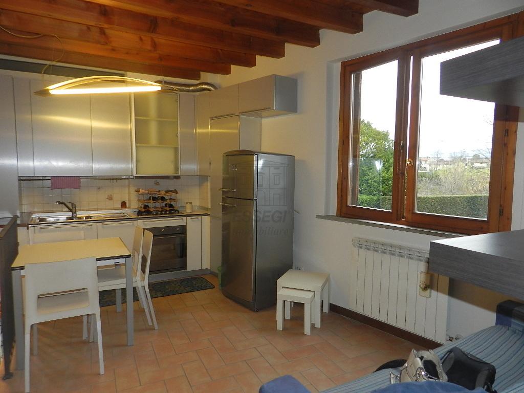 affitto appartamento lucca   530 euro  2 locali  40 mq