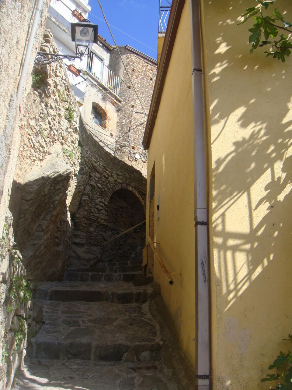 Appartamento in vendita a Bova, 2 locali, prezzo € 25.000 | Cambio Casa.it