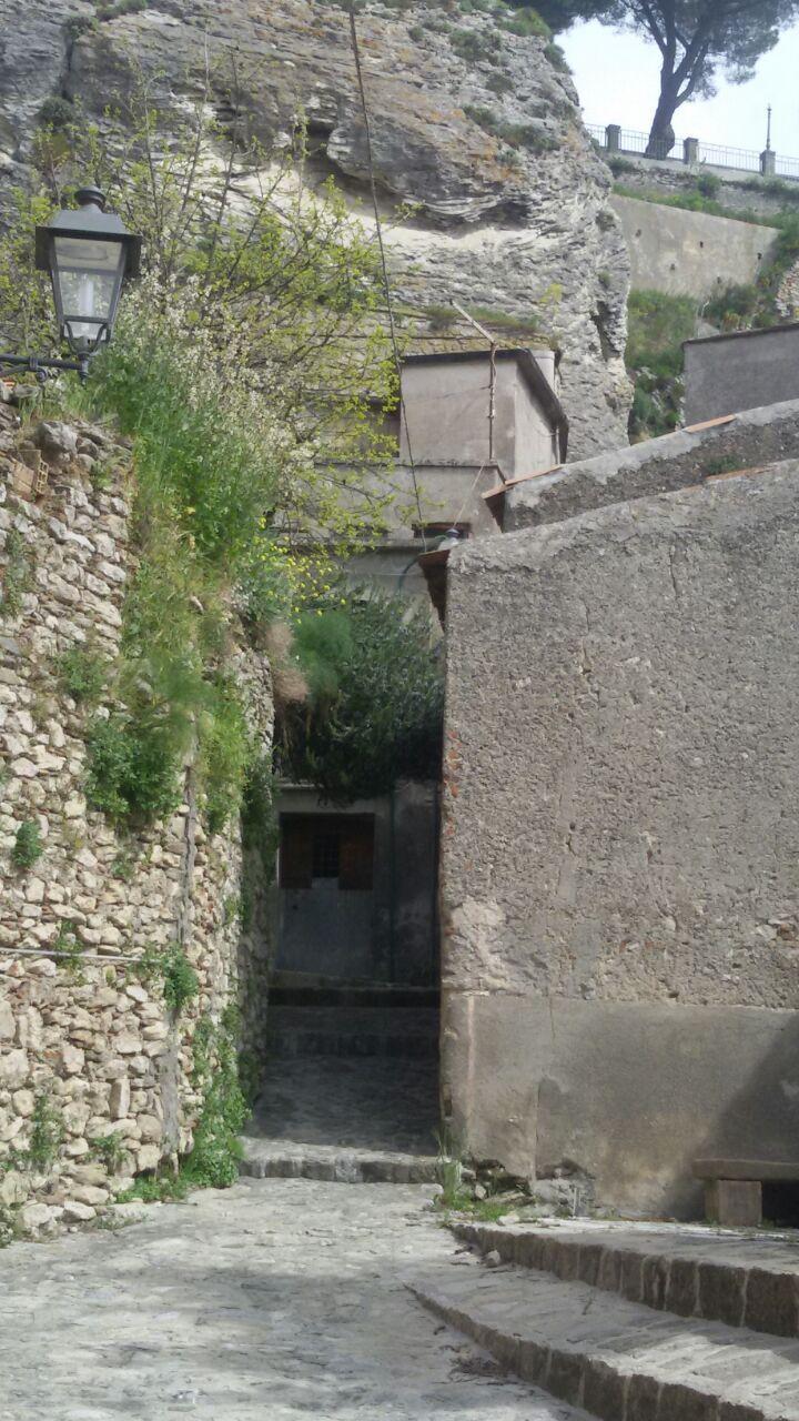 Appartamento in vendita a Bova, 5 locali, prezzo € 23.000 | CambioCasa.it