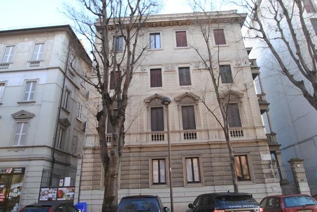 Appartamento in vendita a Pavia, 5 locali, prezzo € 197.000 | Cambio Casa.it