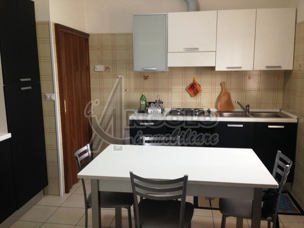 Soluzione Indipendente in affitto a Stienta, 4 locali, prezzo € 430 | Cambio Casa.it