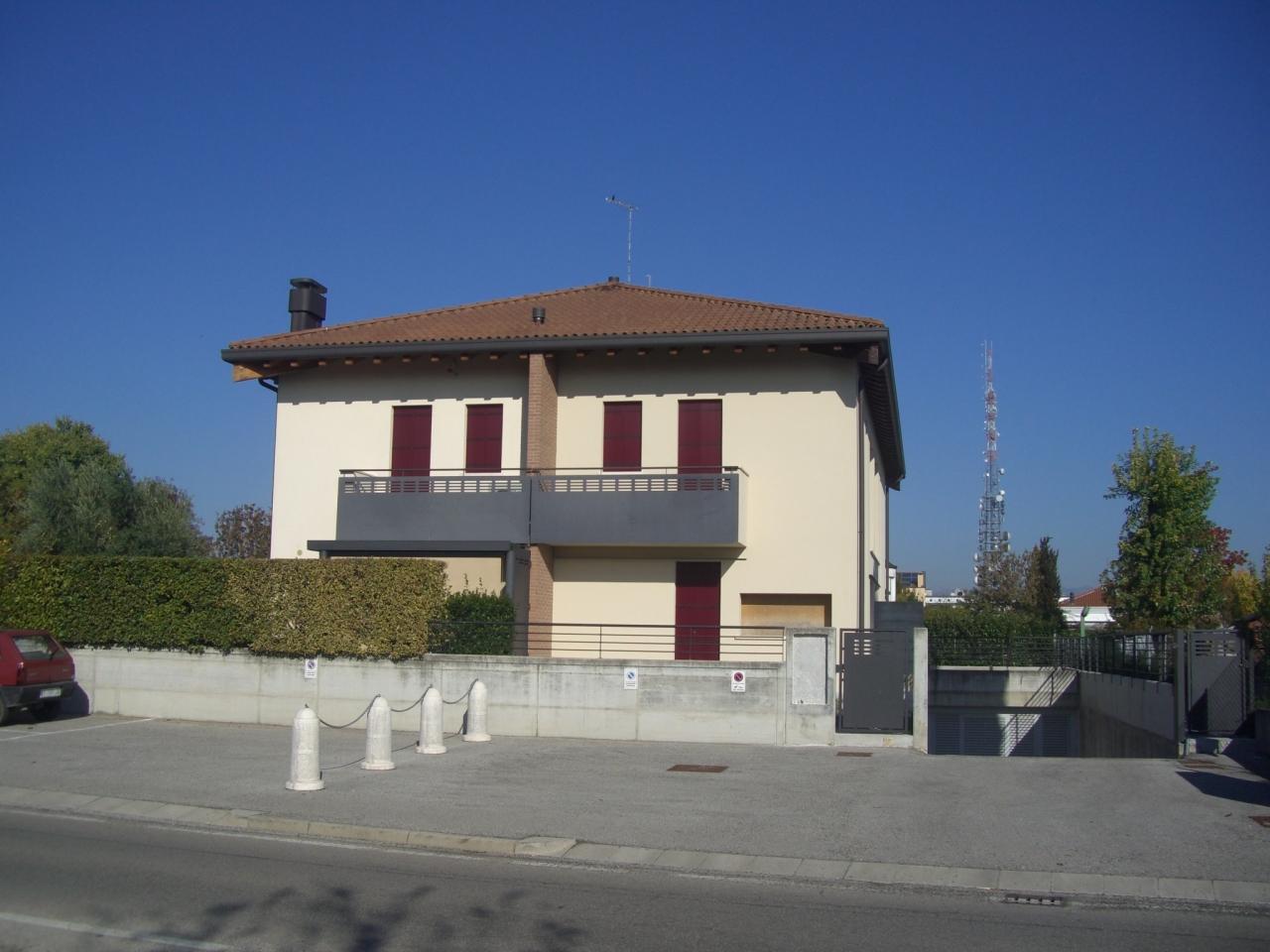 Soluzione Indipendente in vendita a Castelfranco Veneto, 5 locali, prezzo € 187.000 | Cambio Casa.it