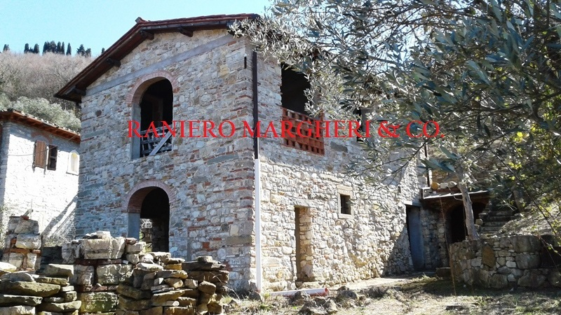 Rustico / Casale in vendita a Pontassieve, 5 locali, prezzo € 295.000 | CambioCasa.it