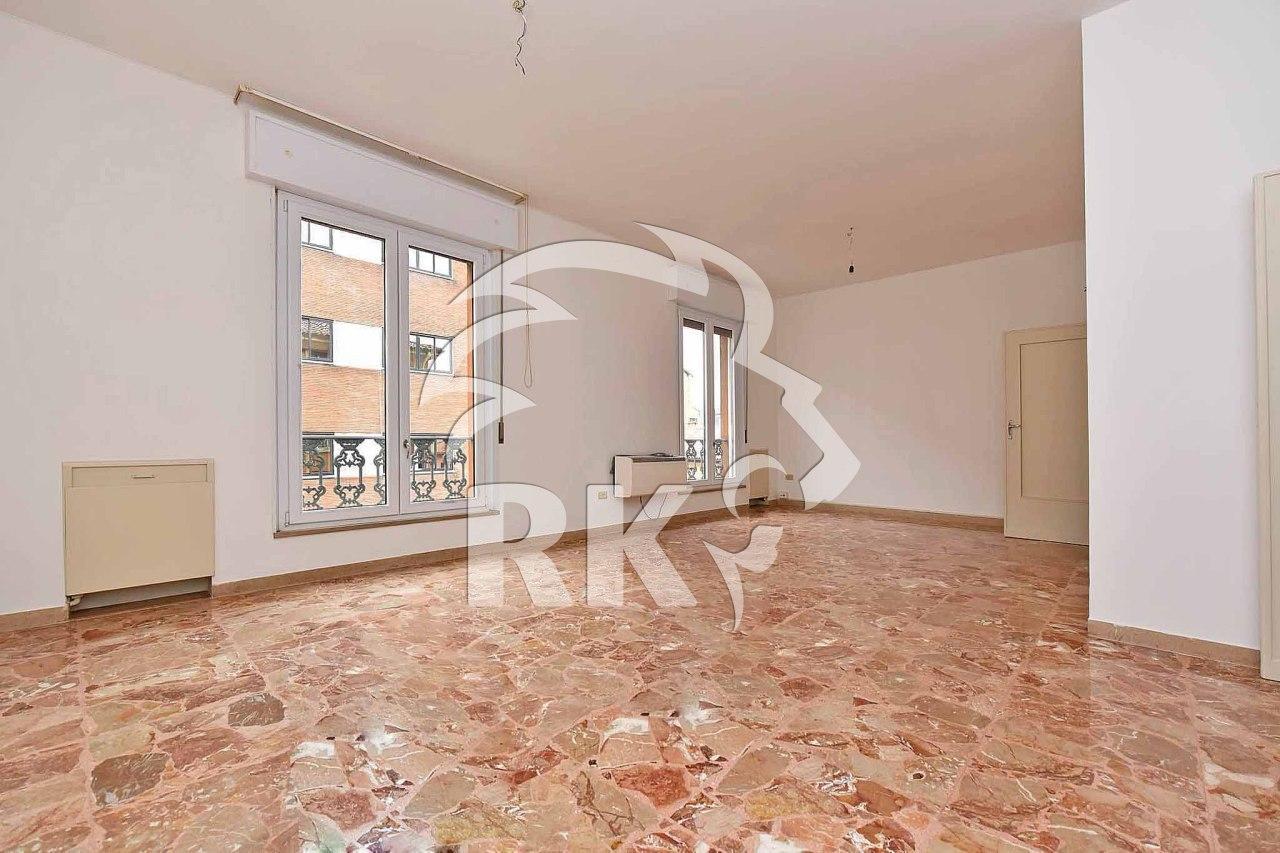 Appartamento in affitto a Bologna, 5 locali, prezzo € 1.100 | CambioCasa.it