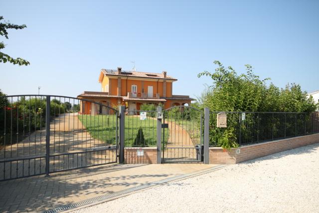 Vai alla scheda: Casa indipendente Vendita - Cesena (FC) - Codice -3036