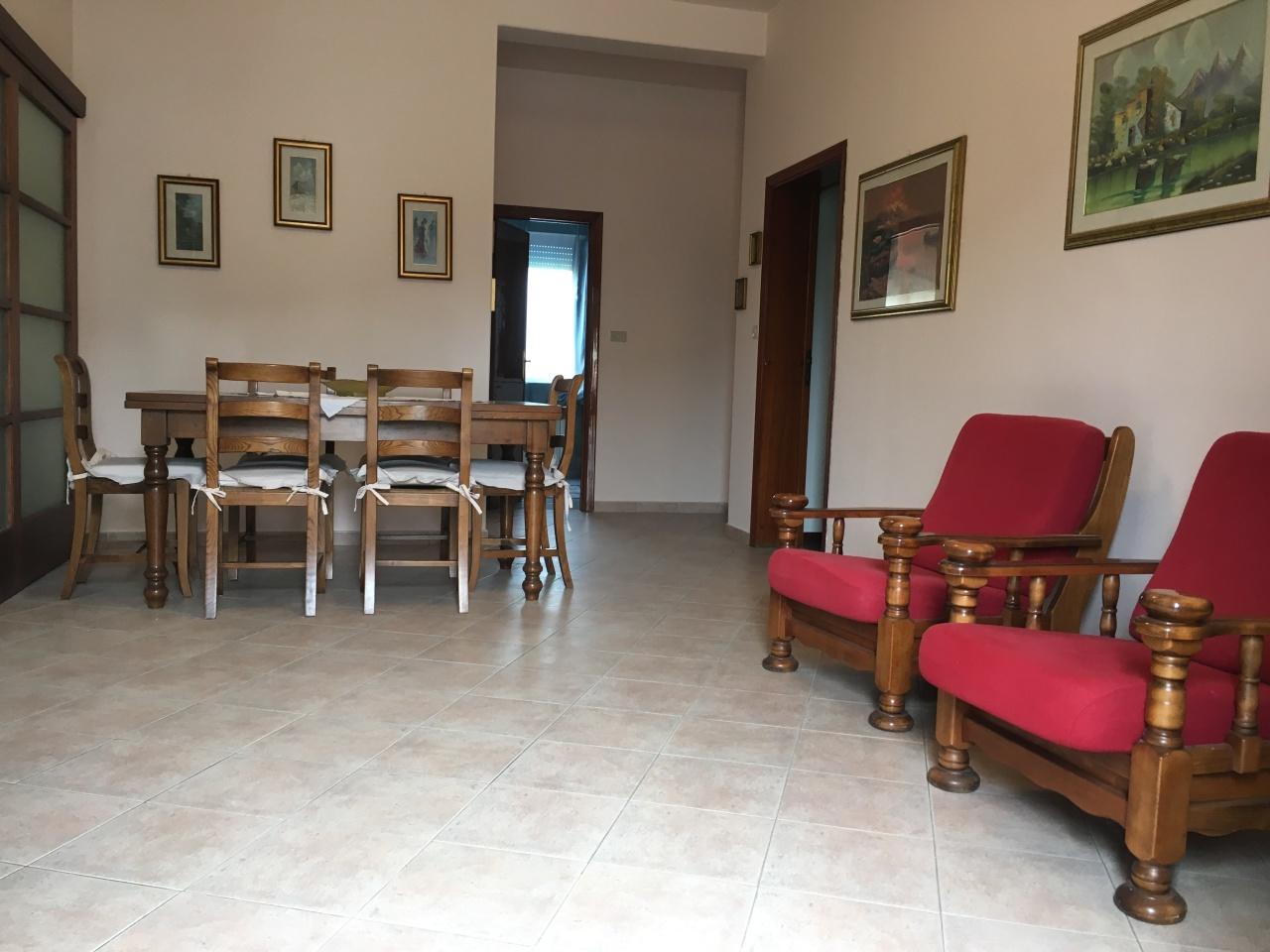 Appartamento in affitto a Buti, 5 locali, prezzo € 550 | Cambio Casa.it
