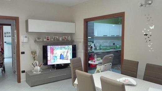 Appartamento in vendita a Mercato San Severino, 4 locali, prezzo € 240.000 | Cambio Casa.it