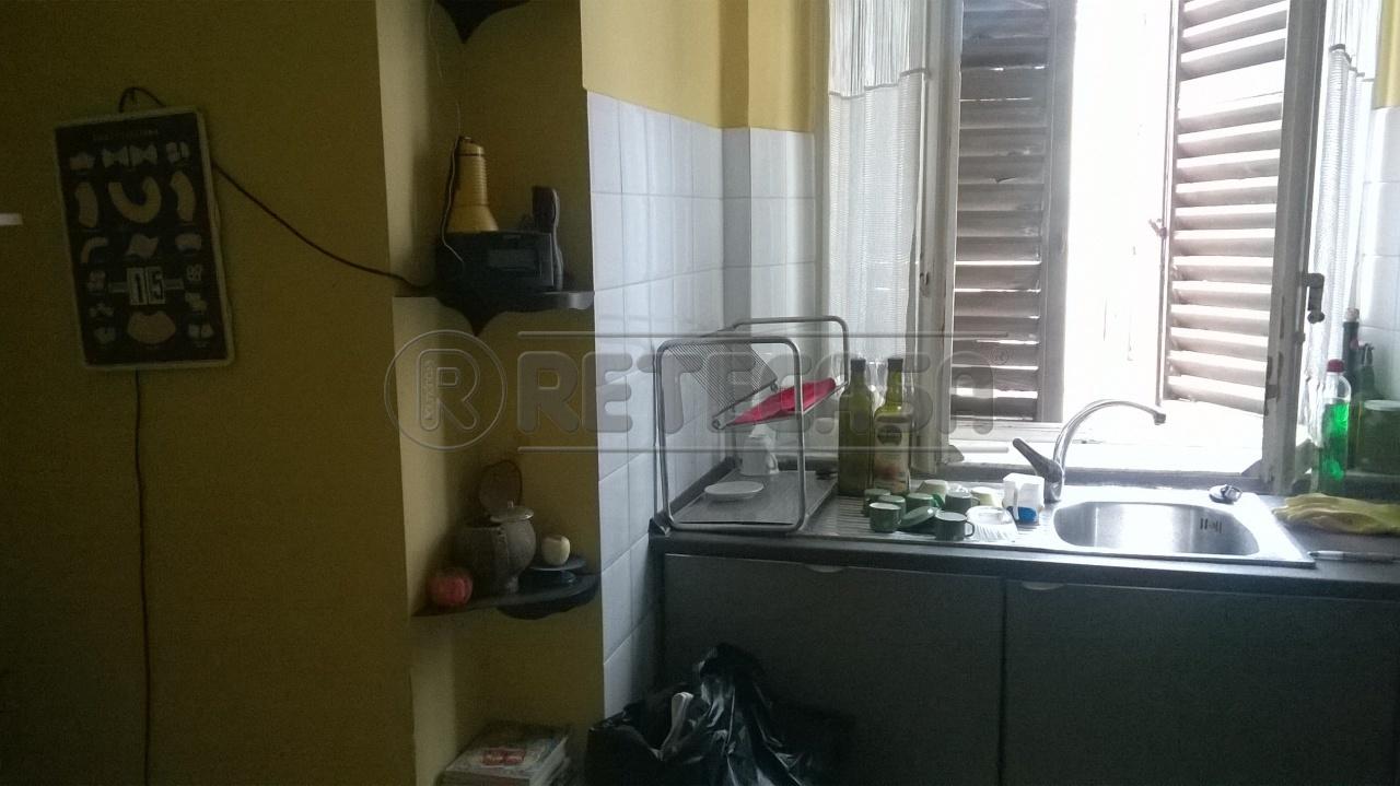Bilocale Ancona Via Toti 4