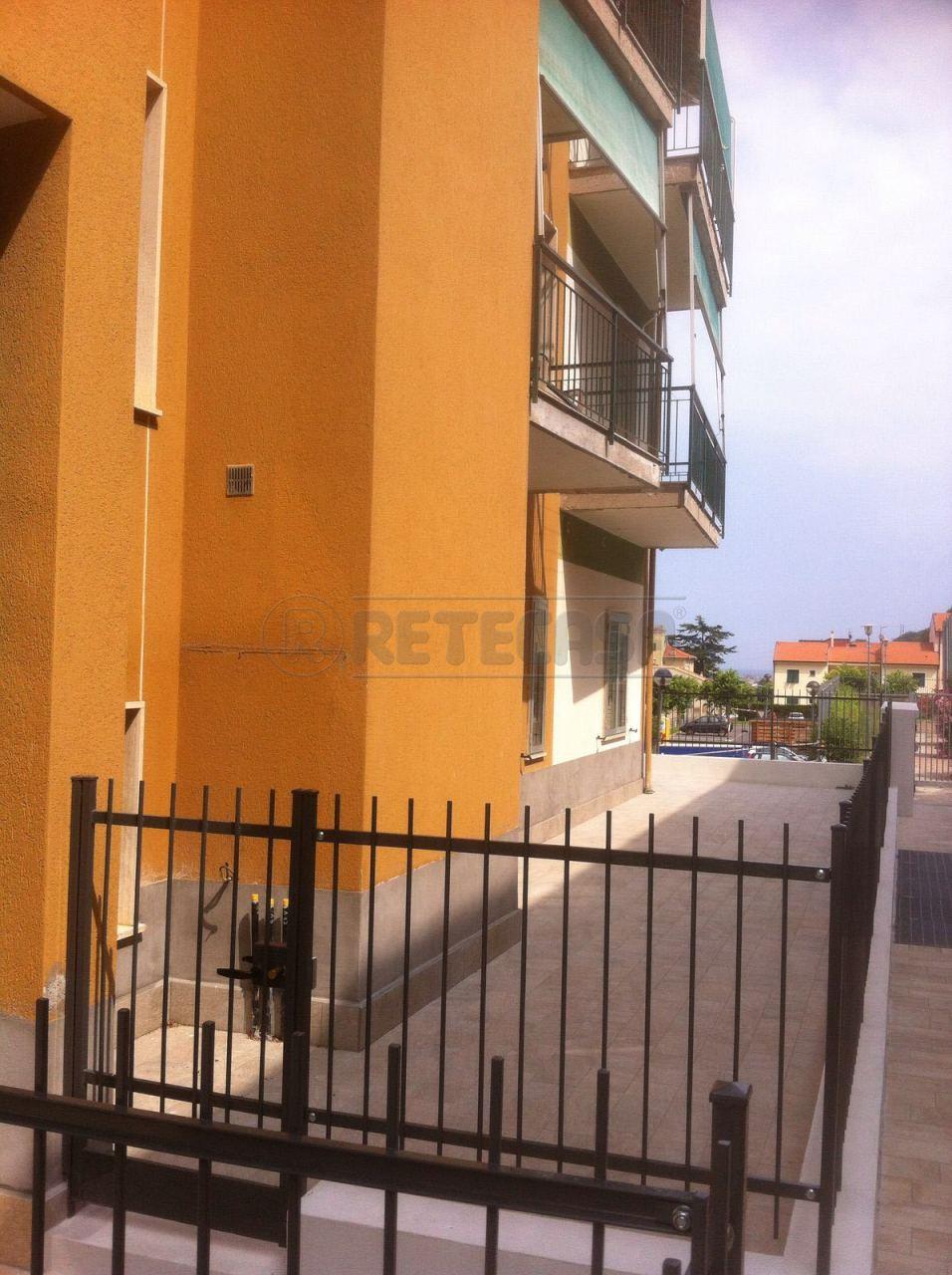 Appartamento in vendita a Toirano, 4 locali, prezzo € 159.000 | Cambio Casa.it