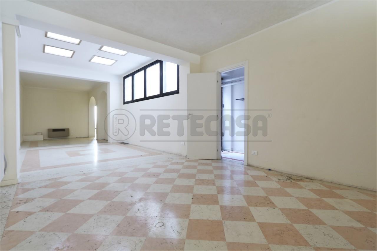 Negozio / Locale in affitto a Camisano Vicentino, 9999 locali, prezzo € 1.000 | Cambio Casa.it