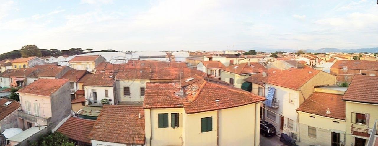 Loft / Openspace in vendita a Viareggio, 3 locali, prezzo € 170.000 | Cambio Casa.it