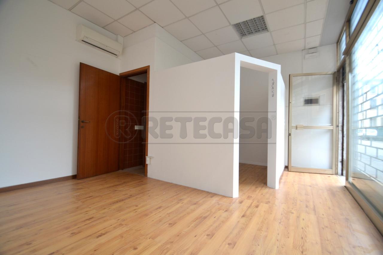 Negozio / Locale in affitto a Valdagno, 9999 locali, prezzo € 250 | Cambio Casa.it