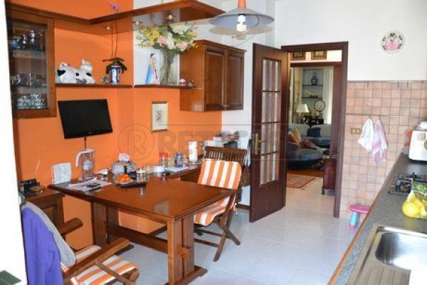 Appartamento in vendita a Monfalcone, 6 locali, prezzo € 110.000 | Cambio Casa.it