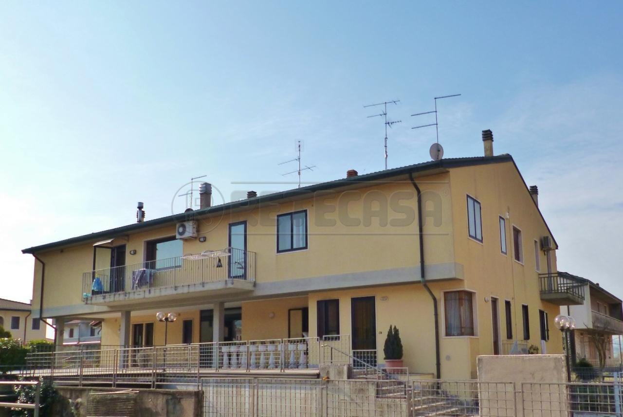 Appartamento in vendita a Roncà, 5 locali, prezzo € 95.000 | Cambio Casa.it