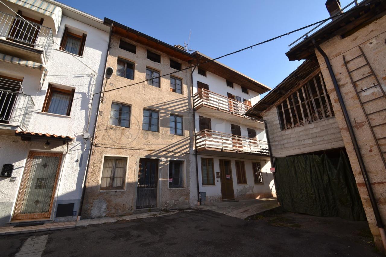 Casa affiancata in vendita a recoaro terme di 162mq for Cerco casa vicenza