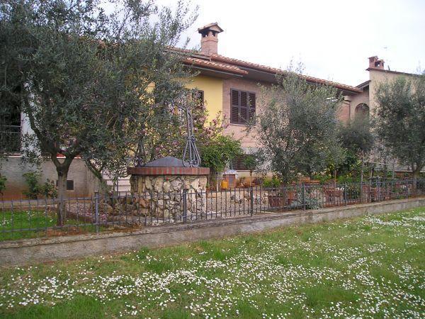 Villa in vendita a Casole d'Elsa, 7 locali, prezzo € 350.000 | Cambio Casa.it