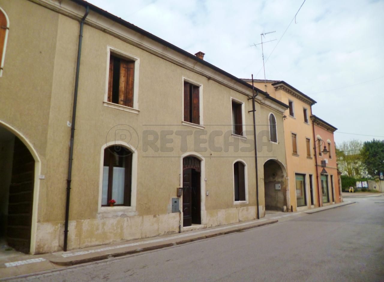 Soluzione Semindipendente in vendita a Montebello Vicentino, 8 locali, prezzo € 160.000 | Cambio Casa.it