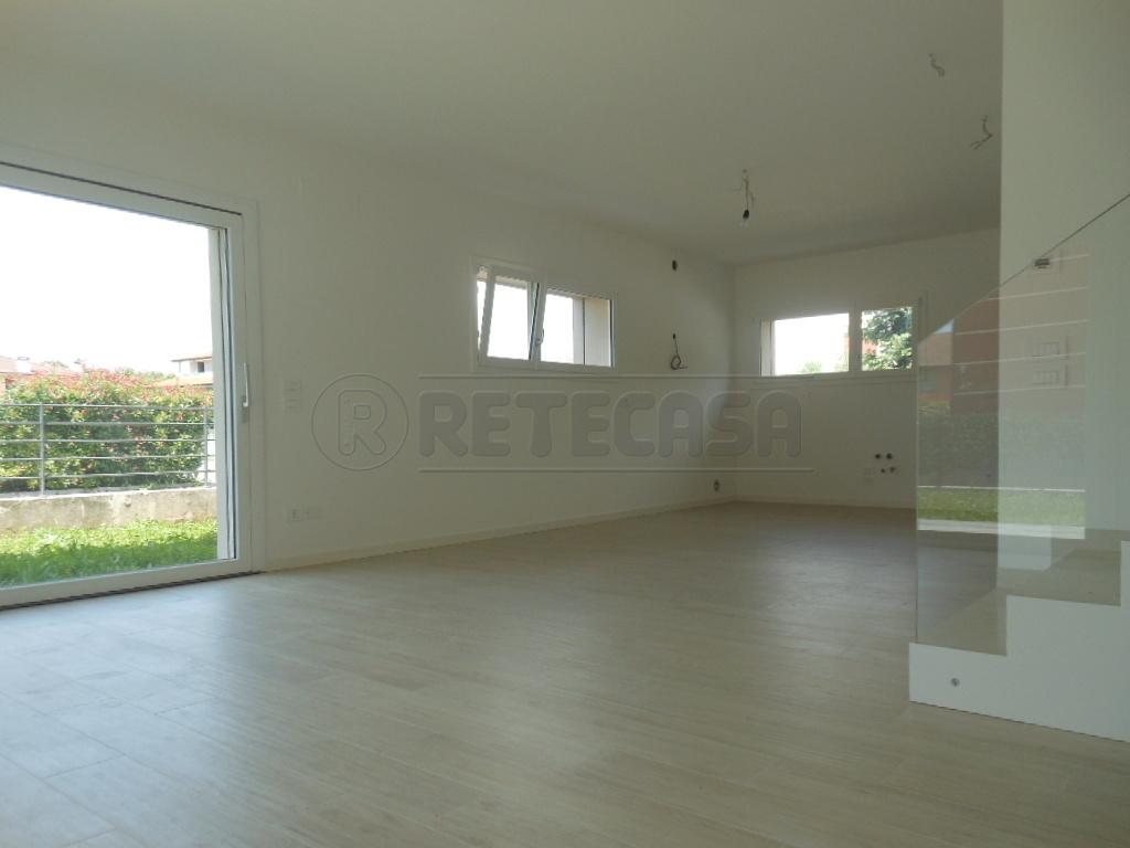 Soluzione Semindipendente in affitto a Cassola, 6 locali, prezzo € 1.200 | Cambio Casa.it