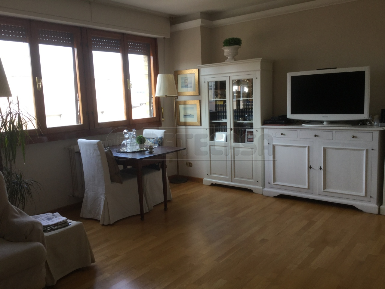 Appartamento quadrilocale in affitto a Ancona (AN)